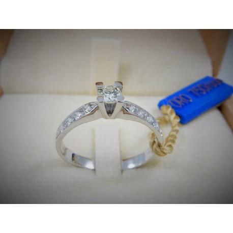 Anello solitario oro bianco18kt e Diamanti naturali carati 0.47